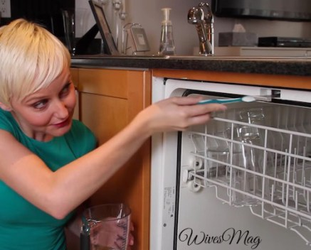dishwasher-cleaning