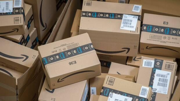 Amazon Pakete Quelle: imago