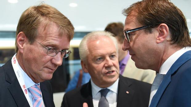 Bahn-Cheflobbyist Ronald Pofalla, Vorstandsvorsitzender Rüdiger Grube und Bundesverkehrsminister Alexander Dobrindt. Quelle: dpa