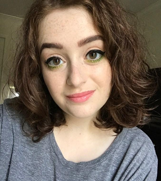 Green and Glitter Underliner