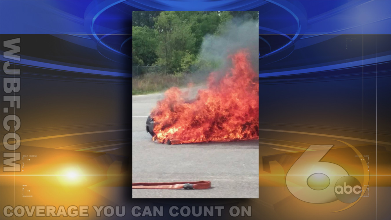 April-Brown-Car-Fire-Photo1_136657