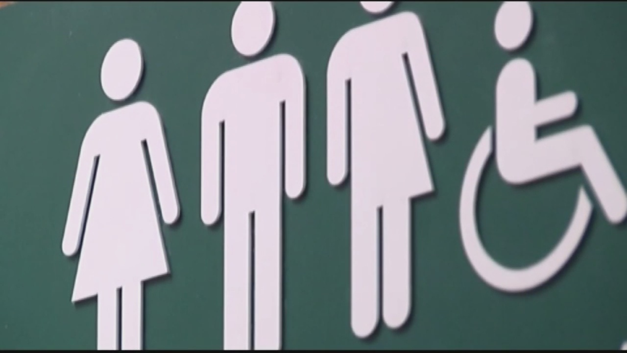 Transgender-Bathroom-Sign_136716