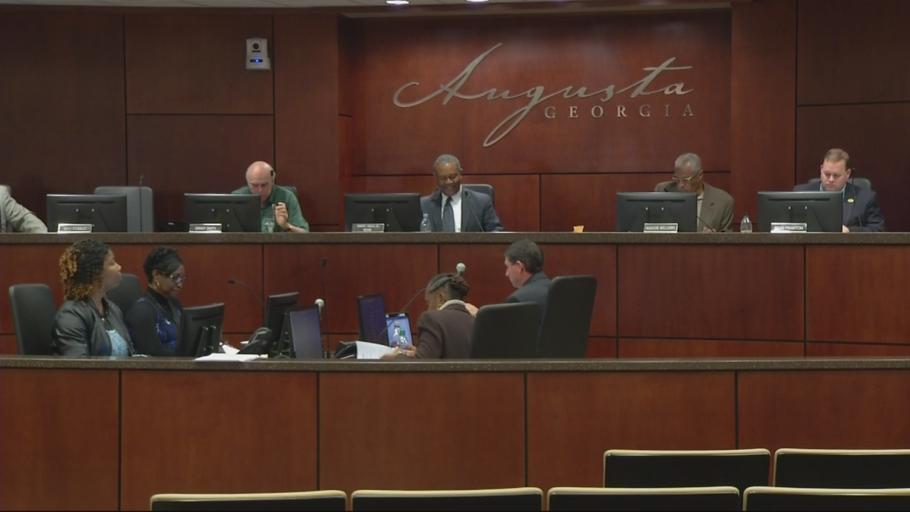 Commissioners don't bite on Administrator's development proposal
