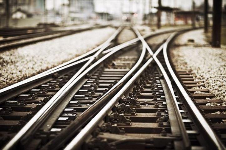 railroad tracks generic image_355030