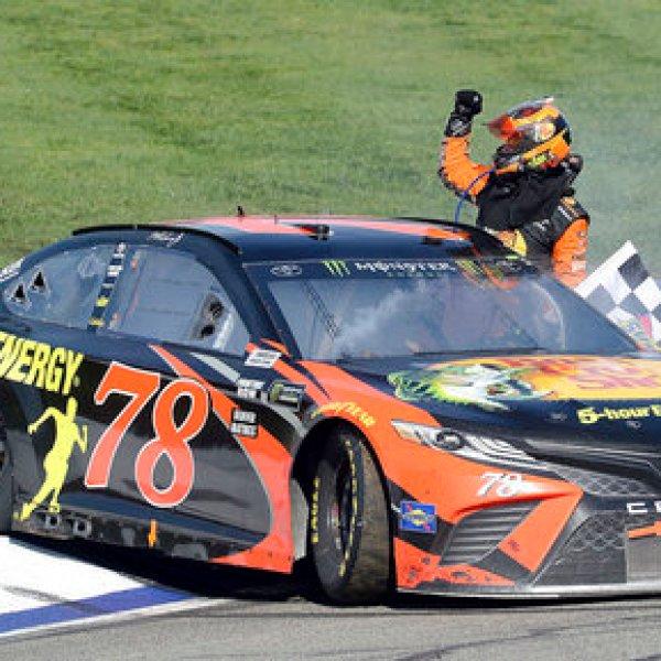 NASCAR Fontana Auto Racing_1521420534393