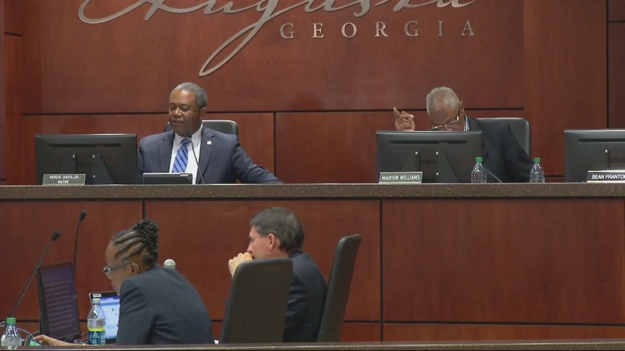 Commission wants to start meetings on time