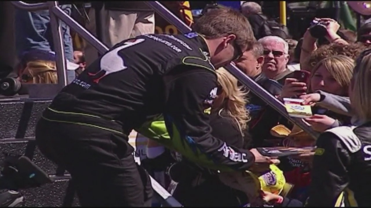 Reports: Carl Edwards expected to announce retirement from NASCAR
