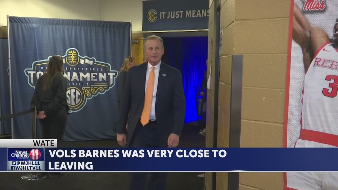 Vols_Barnes_says_buyout_likely_kept_him__9_20190417004010