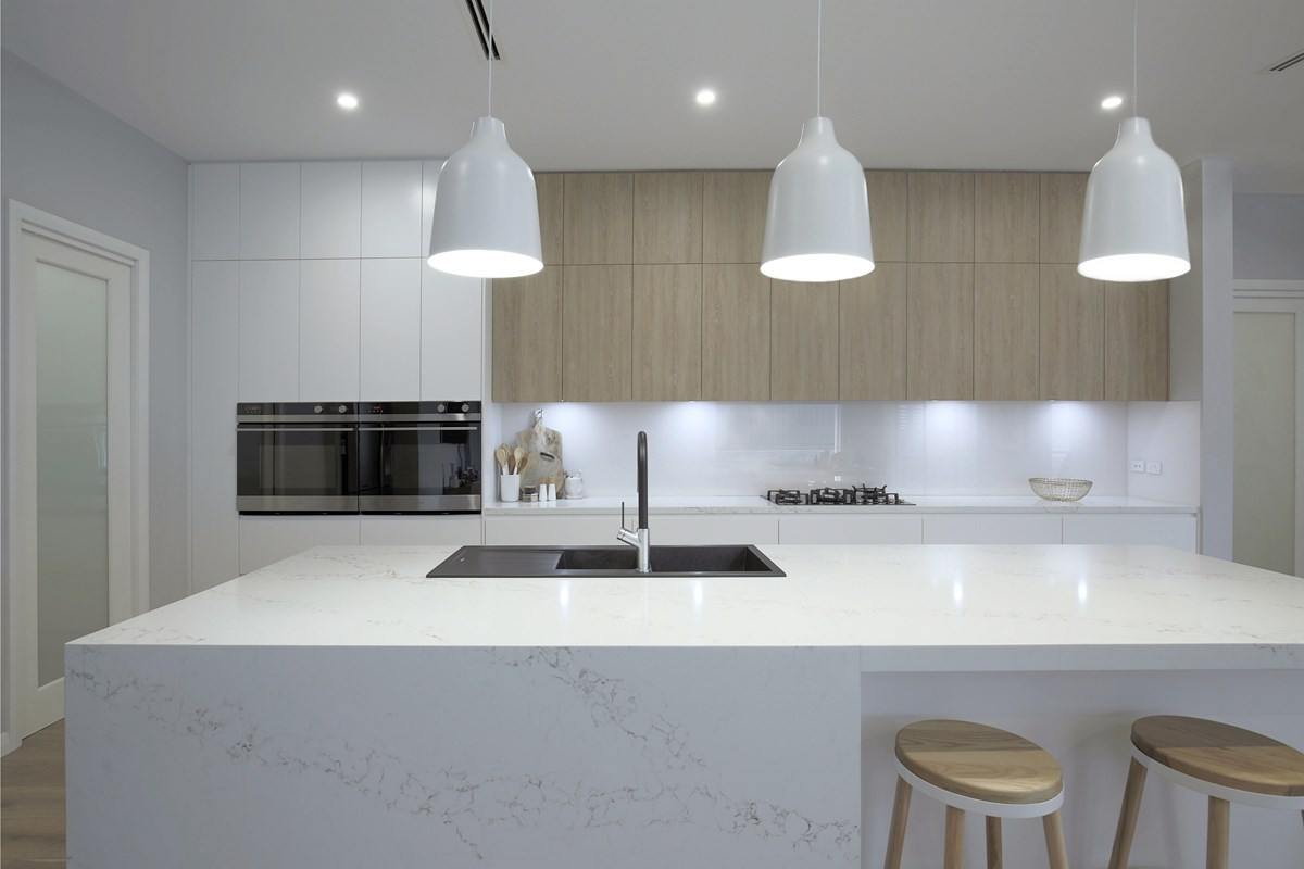 White Kitchen Tiles Design