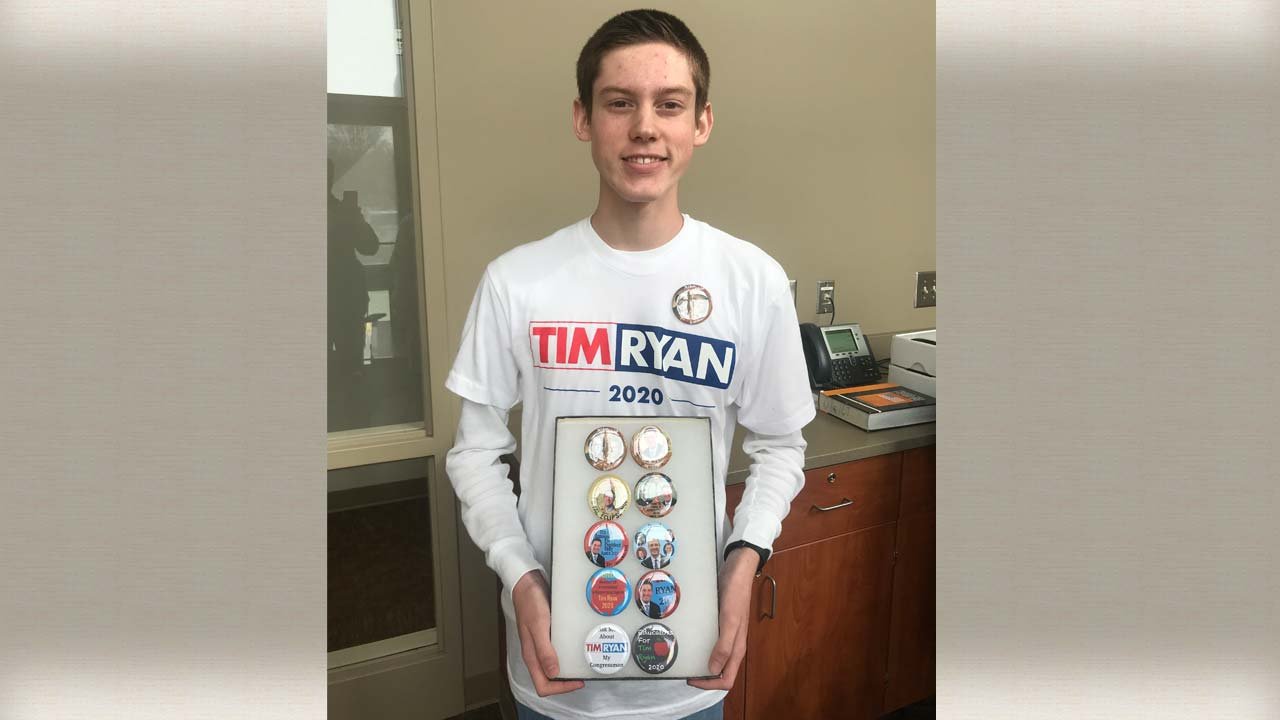 Niles McKinley student producing political buttons for Tim Ryan 1