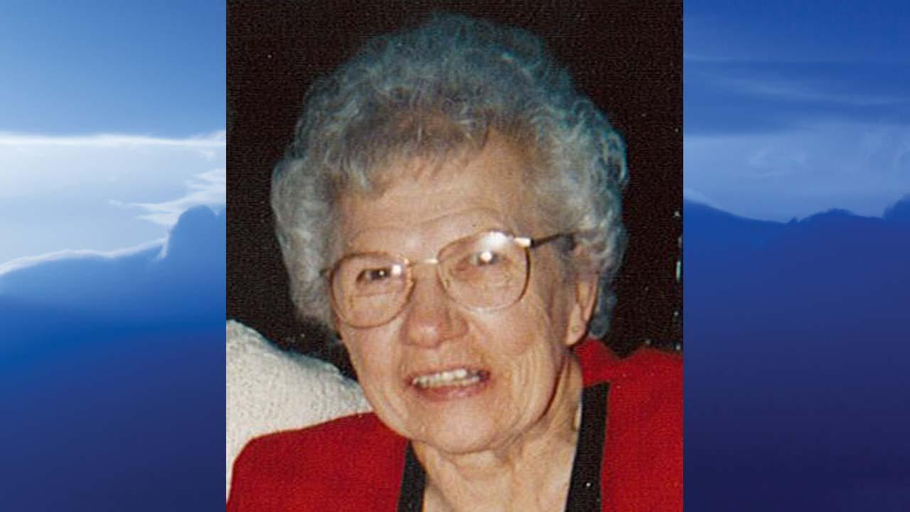 Annie H. Miller, Howland, Ohio - obit