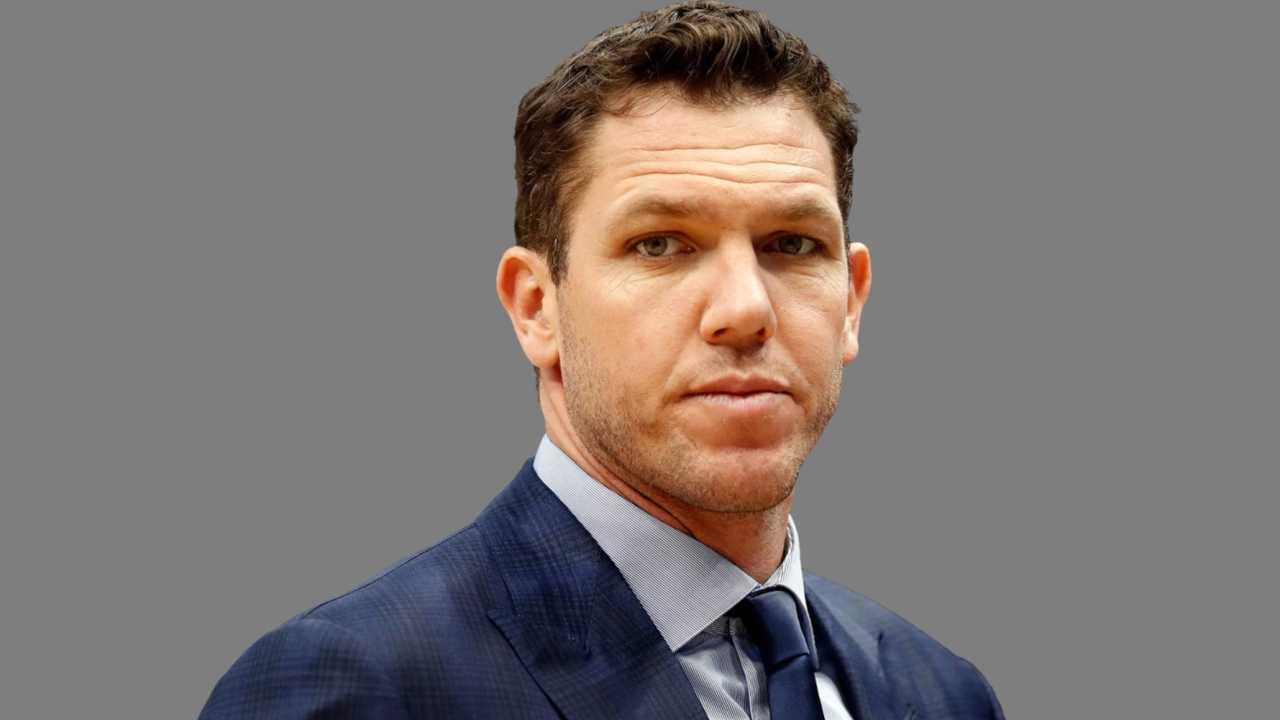 Luke Walton coach