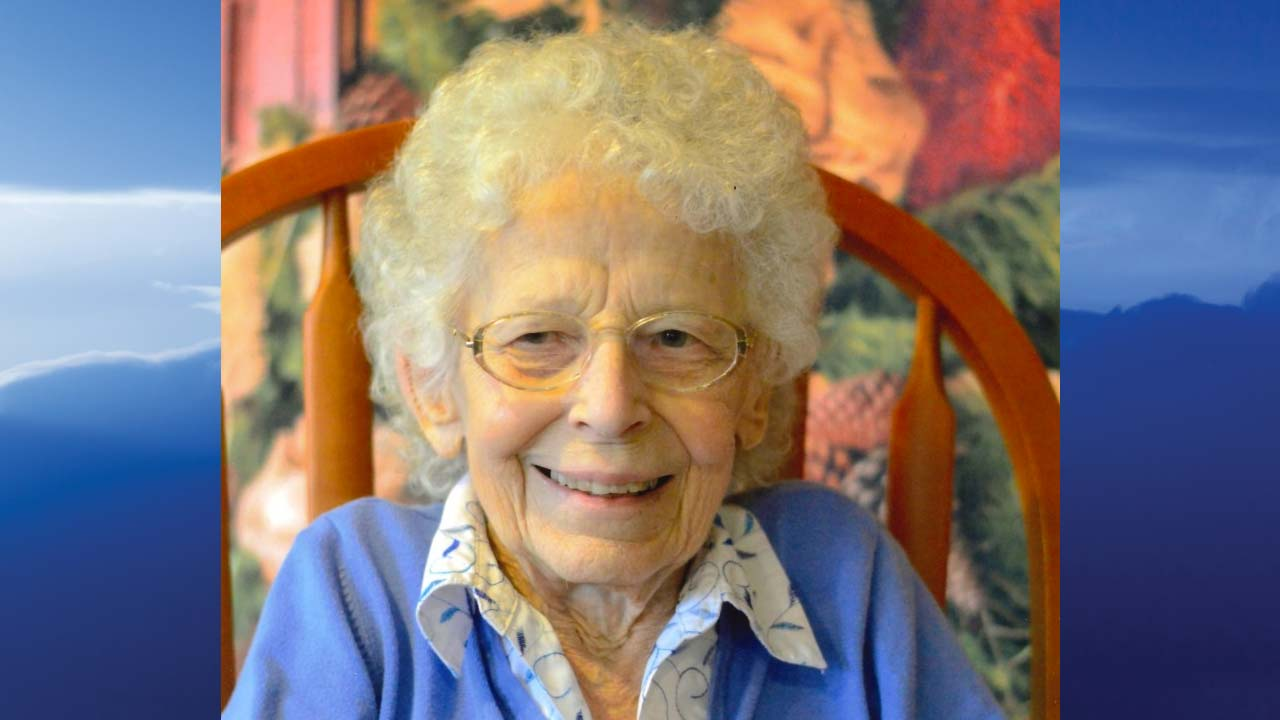Esther M. Snyder, Carrollton, Ohio-obit
