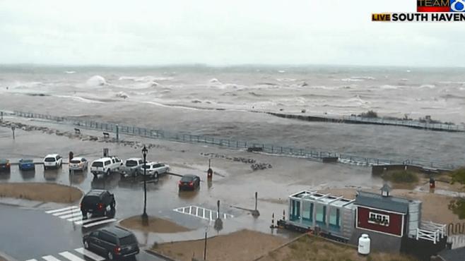 Big waves expected on Lake Michigan