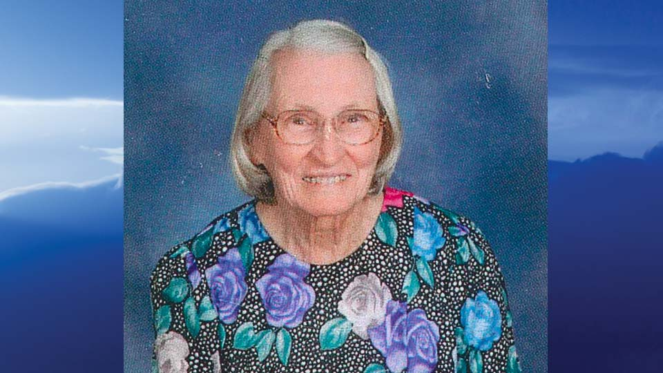 Violet May Walker, Champion, Ohio - obit
