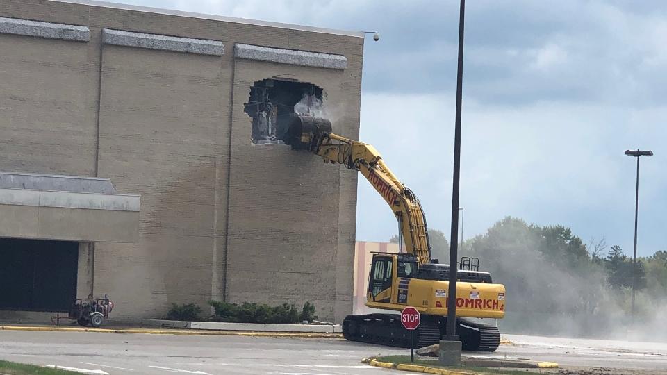 Sears demolition, Southern Park Mall Boardman