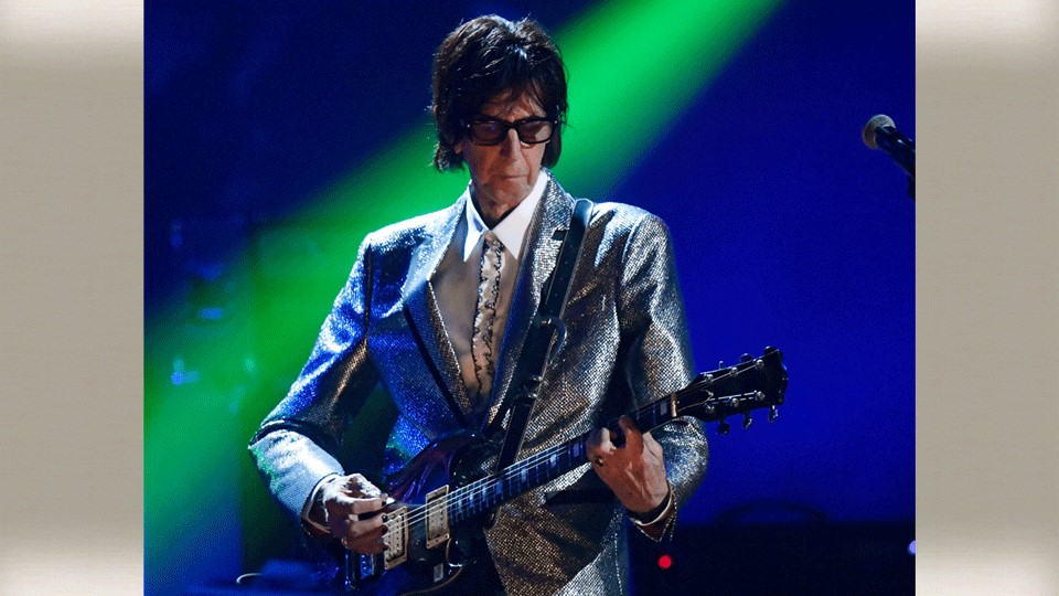 Ric Ocasek, from the Cars, performs during the Rock and Roll Hall of Fame Induction ceremony in Cleveland (AP Photo/David Richard, File)