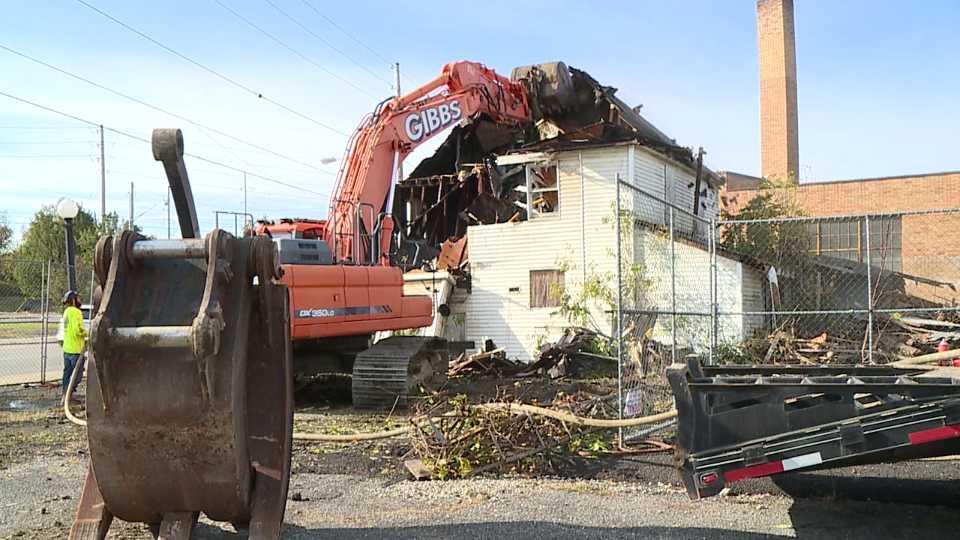 Midway Lounge demolition in Warren