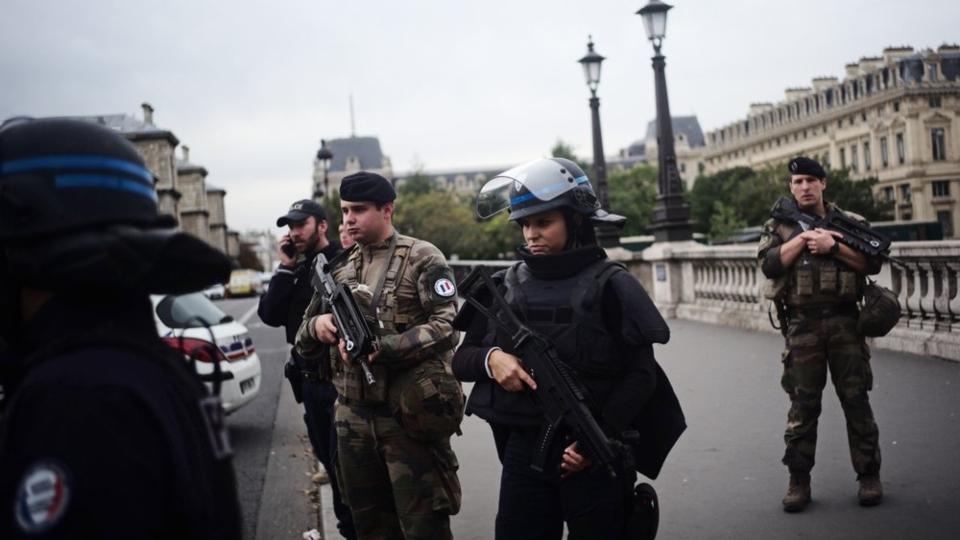 Paris officer killed