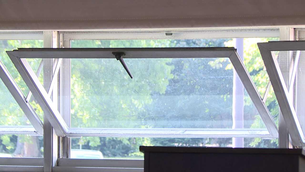 School windows, heat