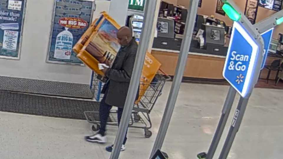 TV theft at Austintown Walmart