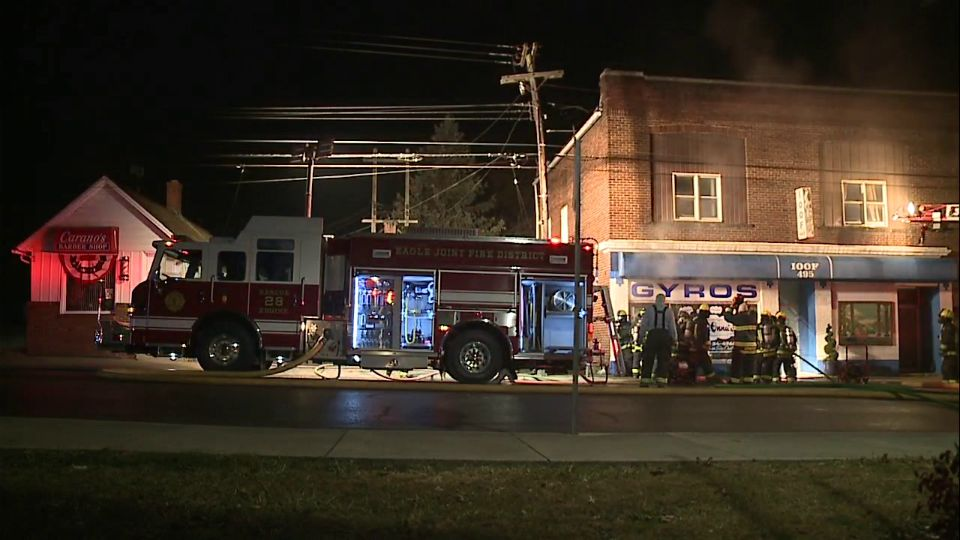 De-Onna's restaurant in Hubbard caught fire.