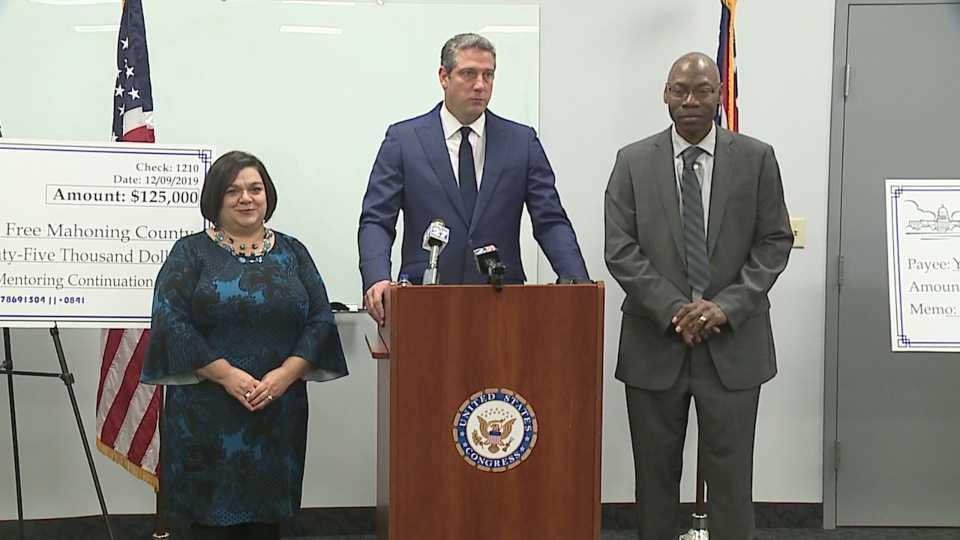 Congressman Tim Ryan presents drug-free community grants