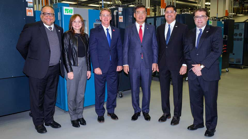 Ohio Lt. Governor Jon Husted (center) is flanked by General Motors Chairman and CEO Mary Barra (left) and LG Chem Vice Chairman and CEO Hak Cheol Shin as GM and LG Chem announce a new joint venture that will mass-produce battery cells for future battery-electric vehicles Thursday, December 5, 2019 in Warren, Michigan. Together, the two companies will invest up to $2.3 billion to create a battery cell assembly plant in Northeast Ohio's Mahoning Valley. The joint venture will result in more than 1,100 new jobs. Groundbreaking is expected in mid-2020. (Photo by Steve Fecht for GM and LG Chem)