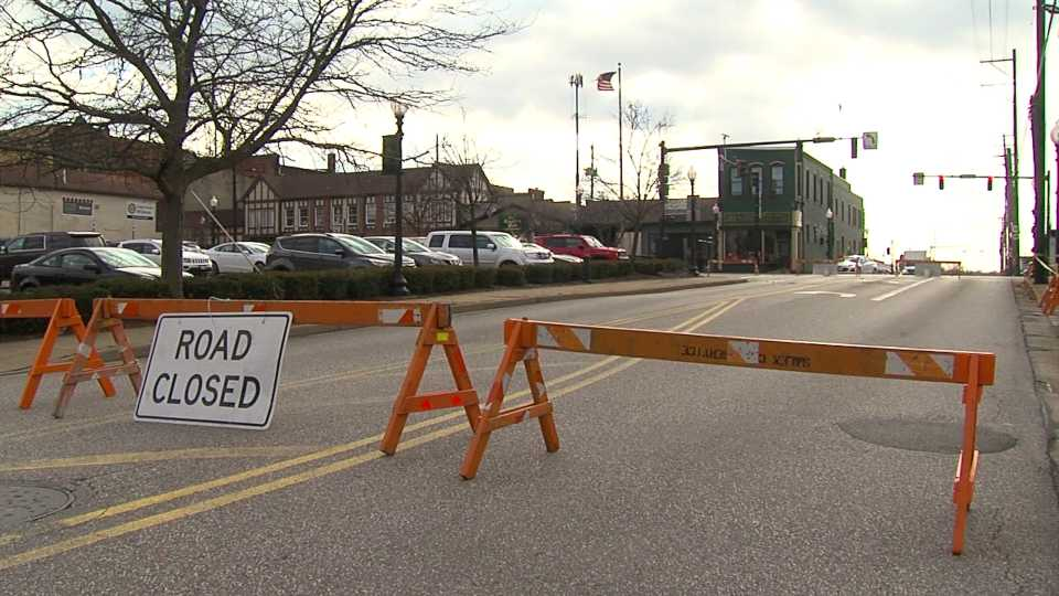 Road closed in downtown Salem because of unstable EuroGyro building