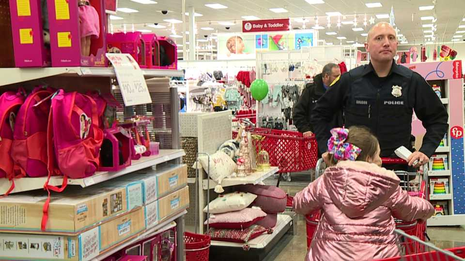 Newton Falls and Braceville police departments, Shop With a Cop