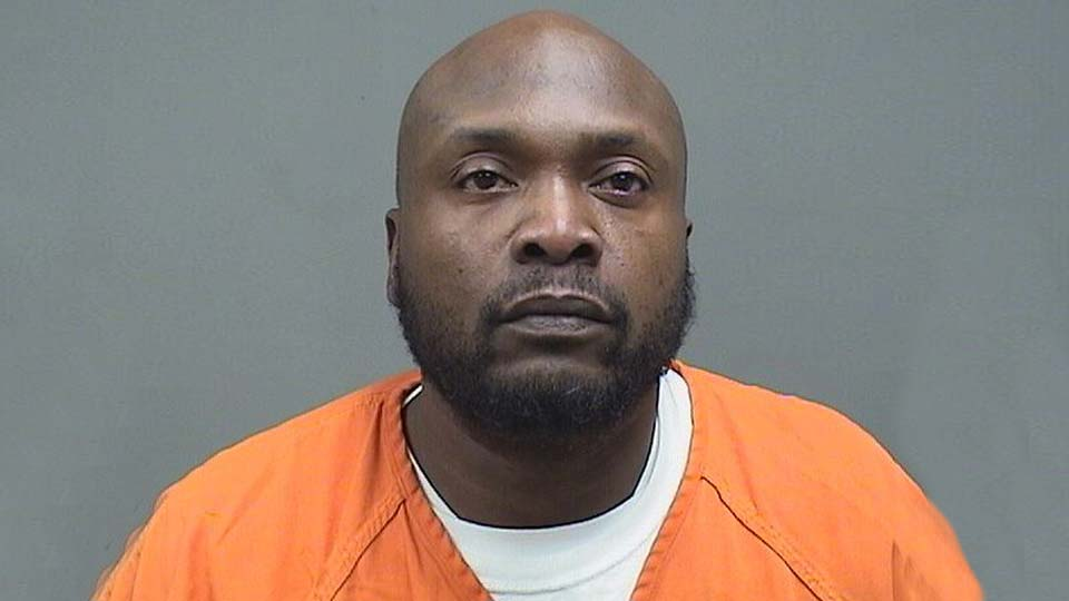 Thomas Moore, Jr., charged with possession of drugs in Youngstown.