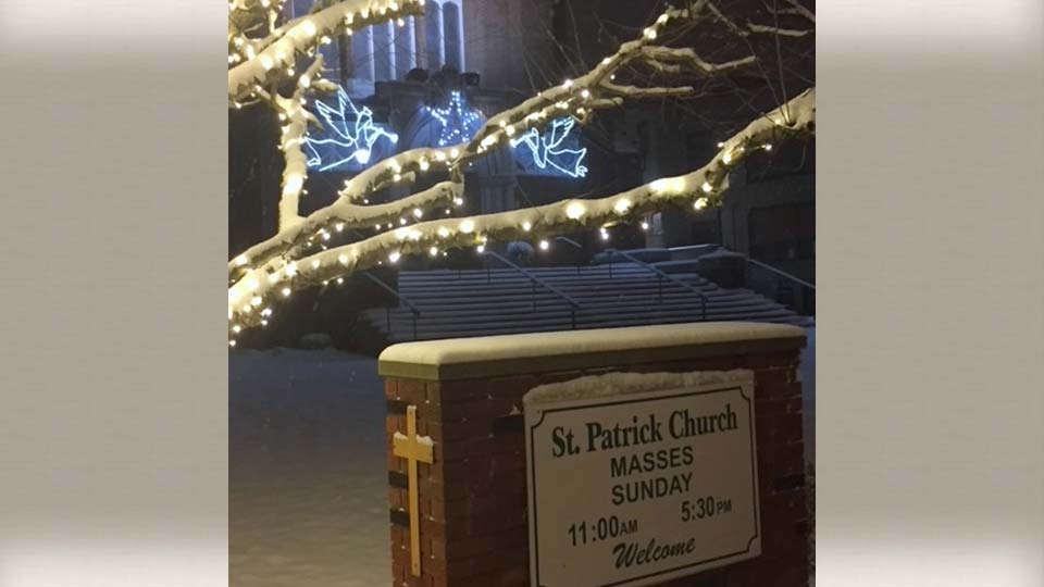 St. Patrick Christmas decorations, Youngstown