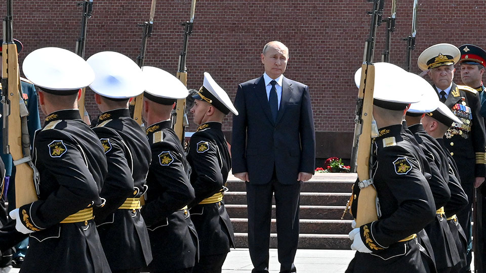 Russian President Vladimir Putin attends a ceremony in memory of those killed during WWII