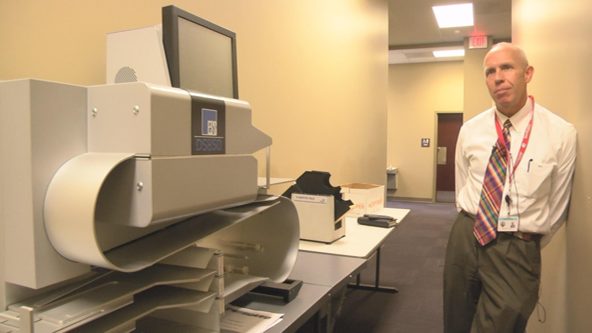 absentee-ballot-machine_268699