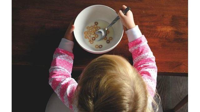 kid eating cereal_1534340975680.JPG_51966633_ver1.0_640_360_1534342032150.jpg_51966655_ver1.0_640_360_1534350889794.jpg.jpg