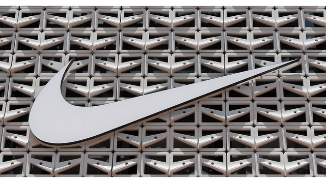 Walmart Jet Nike_1537186987833
