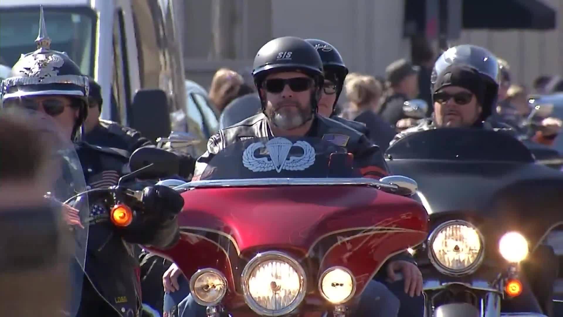 Patriot Guard leads procession for fallen hero