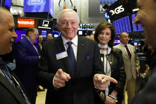 Jerry Jones, Gene Jones