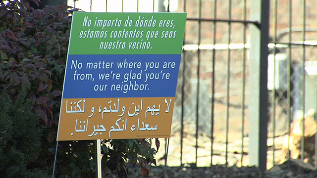 Signs for refugees, immigrants_359959