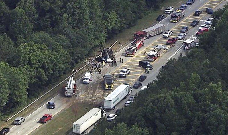 Bus bringing students to mission trip crashes near Atlanta