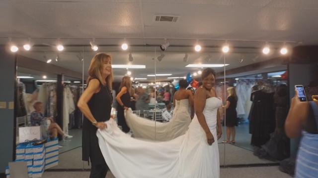 Glitz wedding dresses for military brides_425474