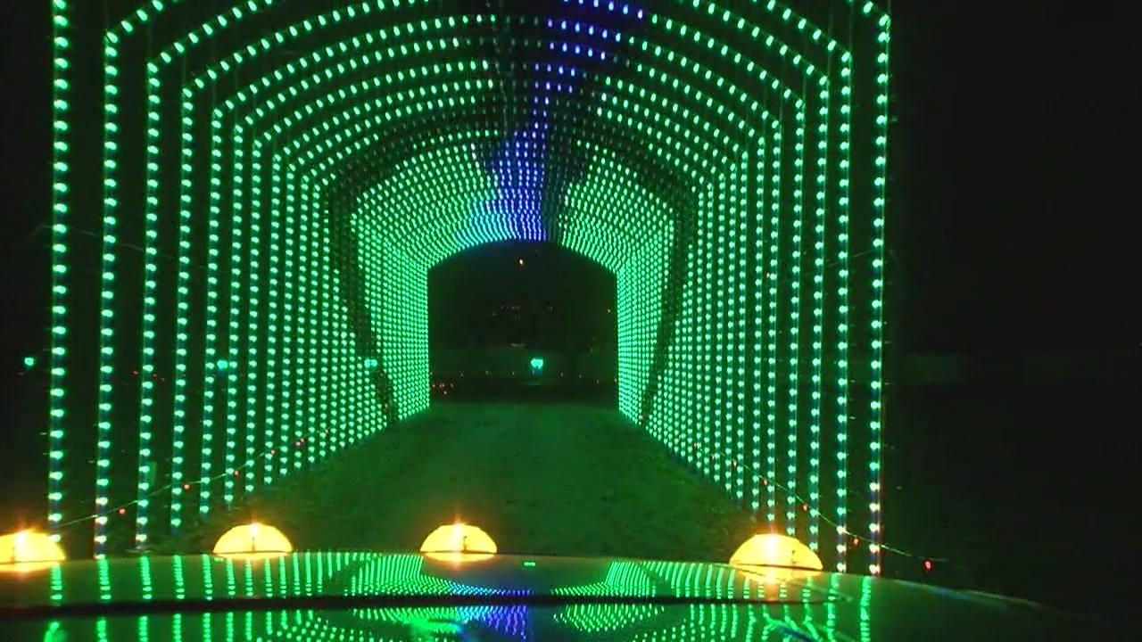 Christmas holiday lights Jellystone Park_447305