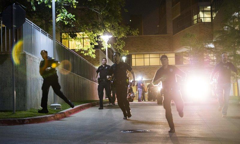Texas officer shot at home depot