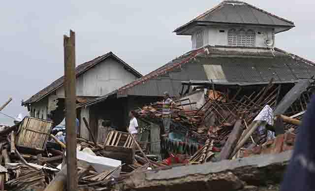 tsunami Indonesia1_1545746703917.jpg.jpg