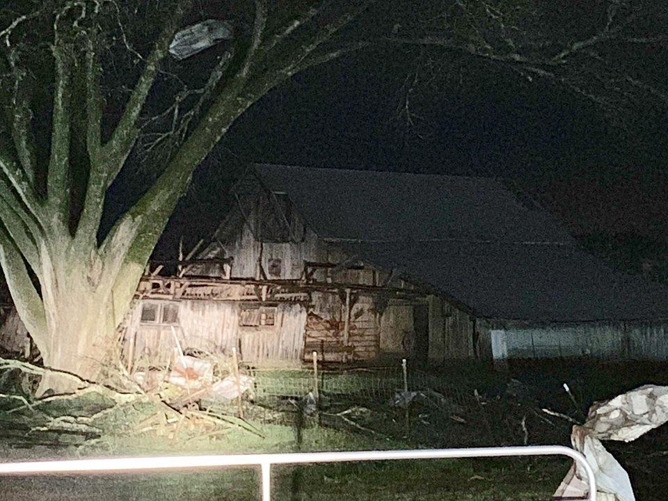 Damage in Tom Lunn John Lunn area in Spring Hill  (Photo Spring Hill Police)_1553998292985.jpg.jpg