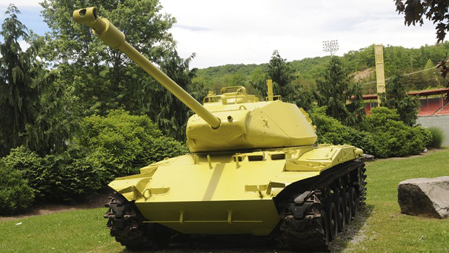 World War II lemon-lime tank