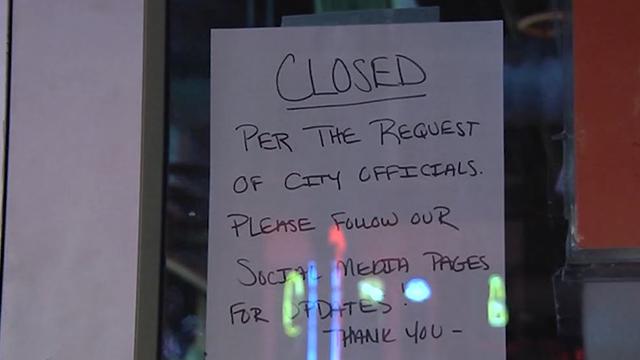 Closed coronavirus sign