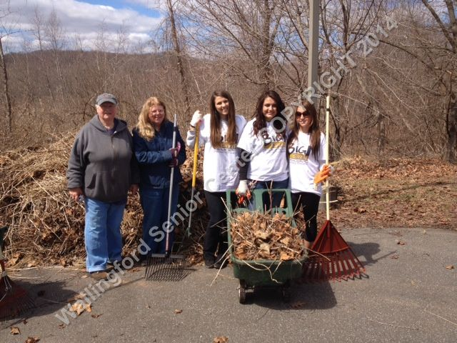 Quinnipiac University students and Wallingford Garden Club Members 012