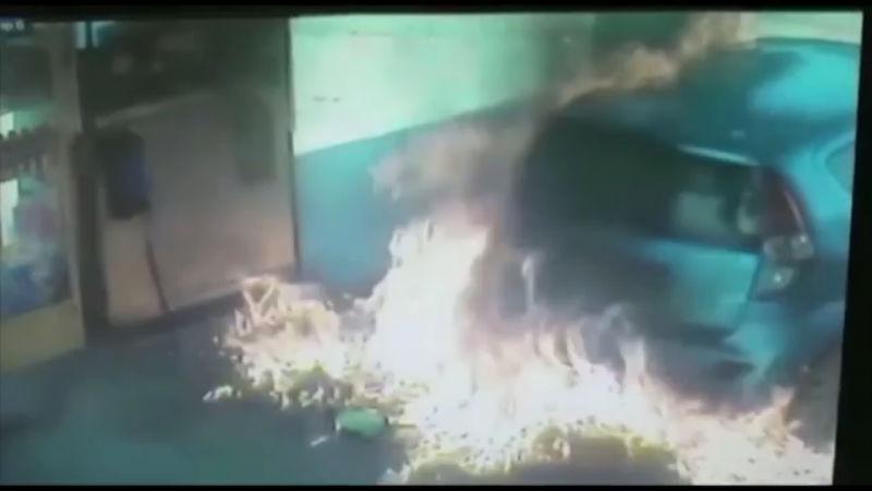 gas pump fire_41730