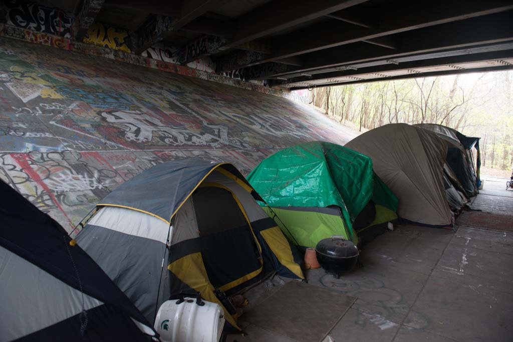 111314-news-homeless-camp-tjpg-d81c03b778494308_60814